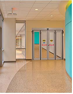 Folding Door: ASSA ABLOY Entrance Systems