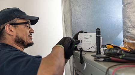 Smart Device Optimizes Compressor Operation: CoolGreenPower