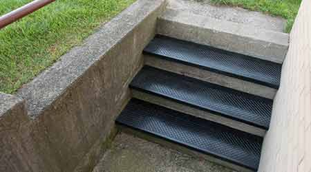 Stair Tread is Suitable for Outdoor Applications: MUSSON RUBBER