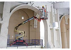 Boom Lifts: JLG Industries Inc.