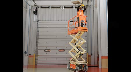 Facilities Management Equipment Rental & Tools: Electric scissor