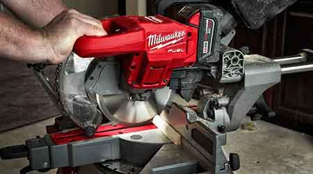 Cordless miter saw: Milwaukee Tool