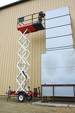 Scissor Lift: Snorkel International