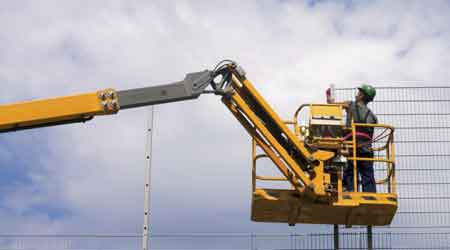 Manufacturers of Aerial Work Platforms Emphasize Safety