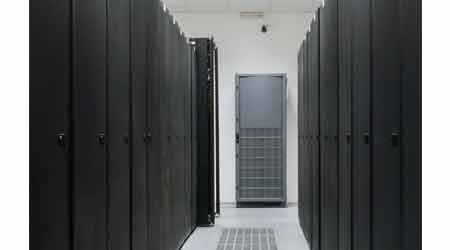 Incentives for On-Site Power Generation for Data Centers