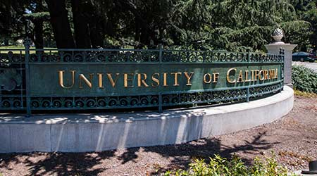 sign and entrance of University of California Berkeley